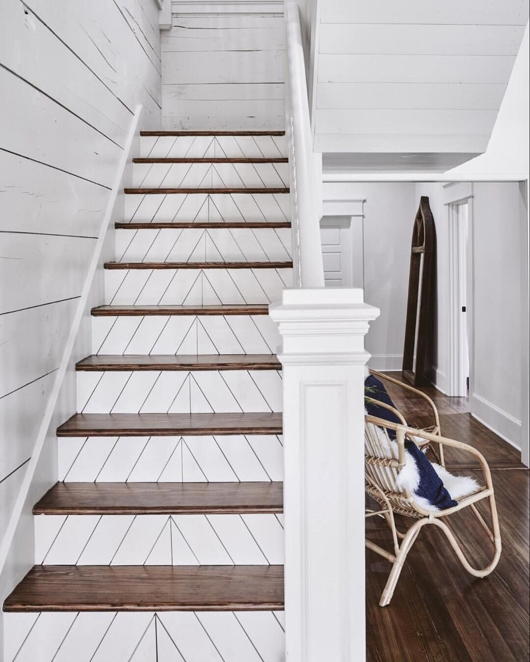 Best The Herringbone Patterned Treads On The Stairs Is Our 400 x 300