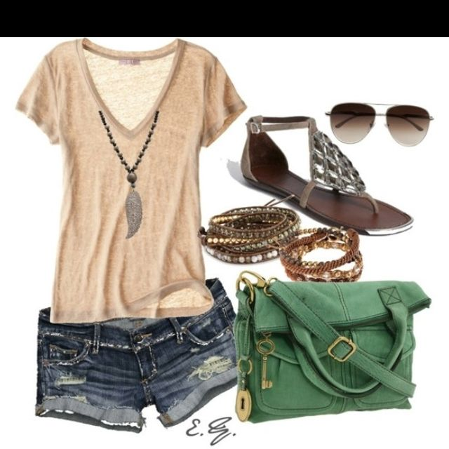 Summer outfits are the best!
