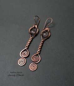Free wire jewelry making tutorial - pendant or earrings. Picture tutorial - otherwise in Spanish but no words needed :)