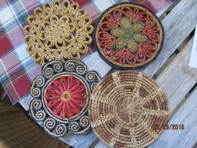 "Vintage Lot of 4 Woven Rattan Straw Hot Plates Trivets Kitchen Decor  7"" wide by EvenTheKitchenSinkOH on Etsy"
