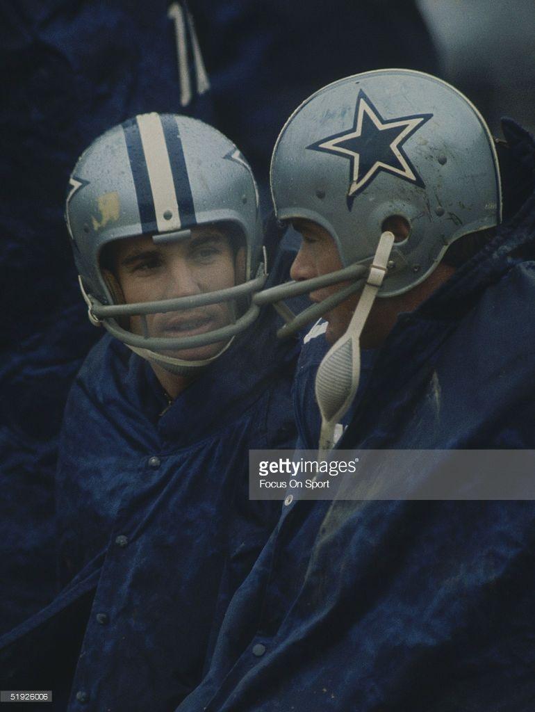 new york a9125 fddf5 Dallas Cowboys' quarterback Roger Staubach sits in full gear ...