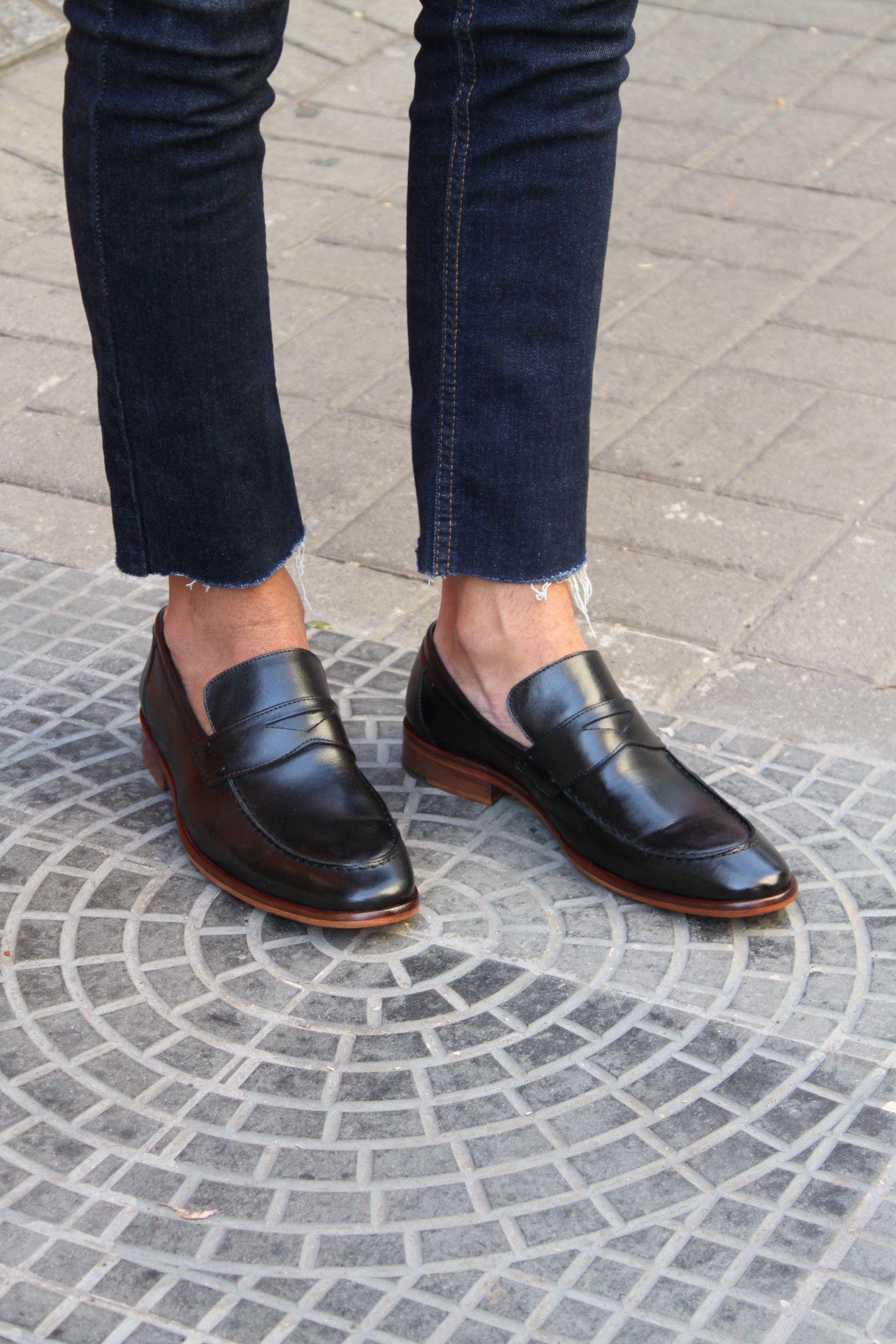 4dd1b70af80 Sapato Masculino Loafer CNS Jack em couro cor Preto com sola de couro e  forro de couro.  cns  cnsmais  masculina  loafer  mocassim  couro  leather   shoes   ...