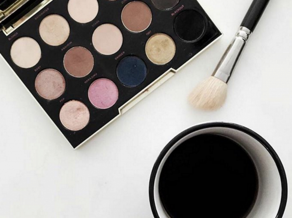 Want your makeup to last all day? Our new blog post '6 Ways to Make Sure your Makeup Lasts All Day Long' has some great tips and reccomended products to use! Have a look at everywalk.com