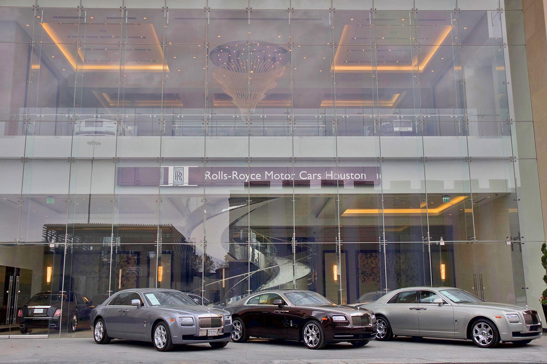 Rolls Royce Houston Two Story Glass Showroom Rolls Royce Car Showroom Motor Car