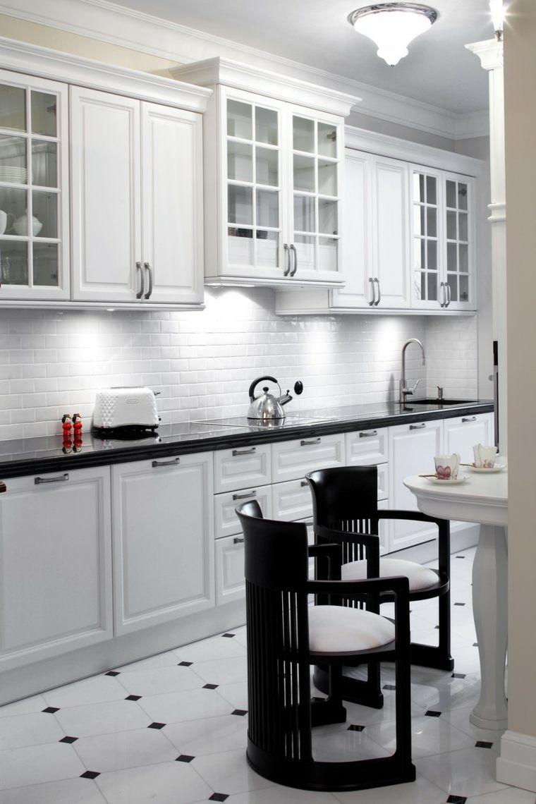 Carrelage Noir Et Blanc Tres Chic Des Idees Originales A En Etre Inspire Carrelage Noir Et Blanc Cuisine Noir Et Blanc Deco Cuisine Moderne