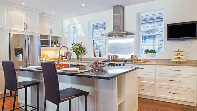 Une cuisine blanc et r glisse cuisine - Deco cuisine blanc et noire ...