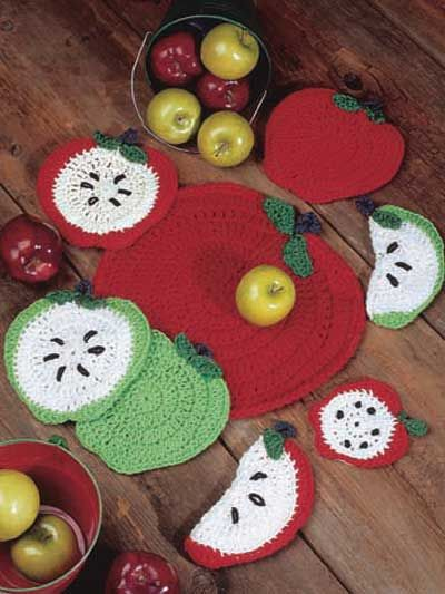 Apple coasters, potholder and placemat - free crochet pattern   deco ...