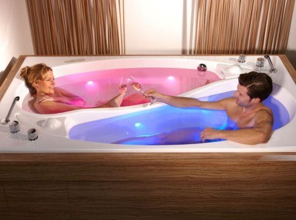 Yin-Yang-couple-bath-2