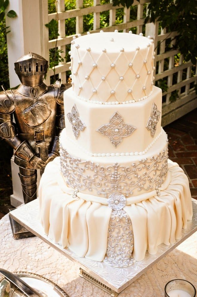 Best wedding cakes of 2014 wedding trends belle and metallic best wedding cakes of 2014 junglespirit Choice Image