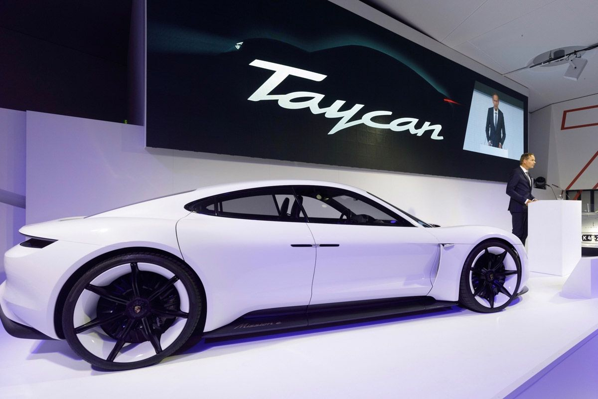 Porsche Taycan Technical Specs Revealed With More Than 600 Hp On Tap Porsche Taycan Electric Sports Car New Sports Cars