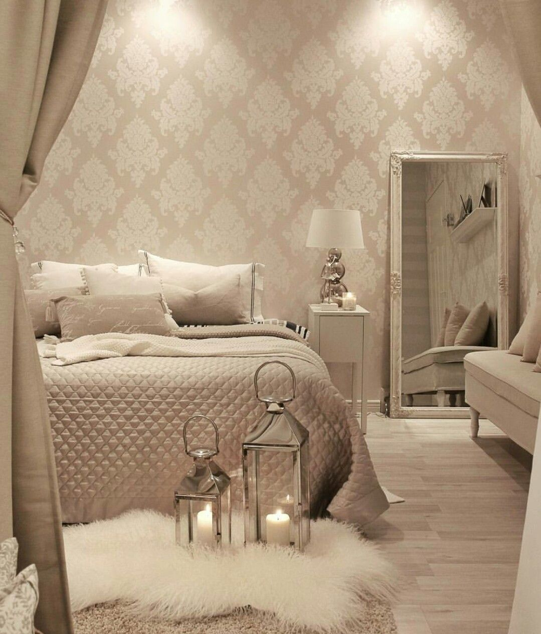 Pin By Gabby S On Home Decorating Ideas Master Bedrooms Decor Bedroom Decor Luxurious Bedrooms