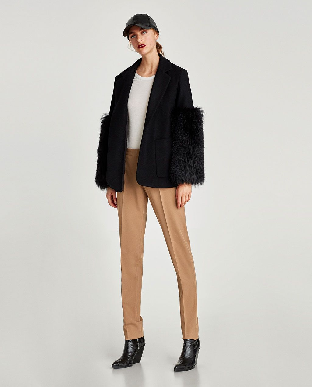 260003ec6db0 CONTRASTING FAUX FUR BLAZER-ICONIC BLAZERS-WOMAN-EDITORIALS | ZARA Hong  Kong S.A.R. of China