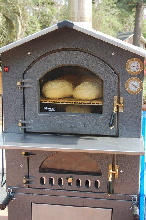 Best Oven And Company In The World Bread Baking In The Fontana Forni Oven Www Fontanaforniusa Com Rotisserie Oven Outdoor Oven Pizza Oven Outdoor