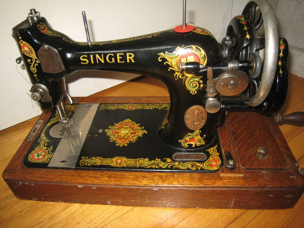 Antiquevintage Singer Sewing Machine Hand Cranked Portable Model Interesting Vintage Singer Portable Sewing Machine