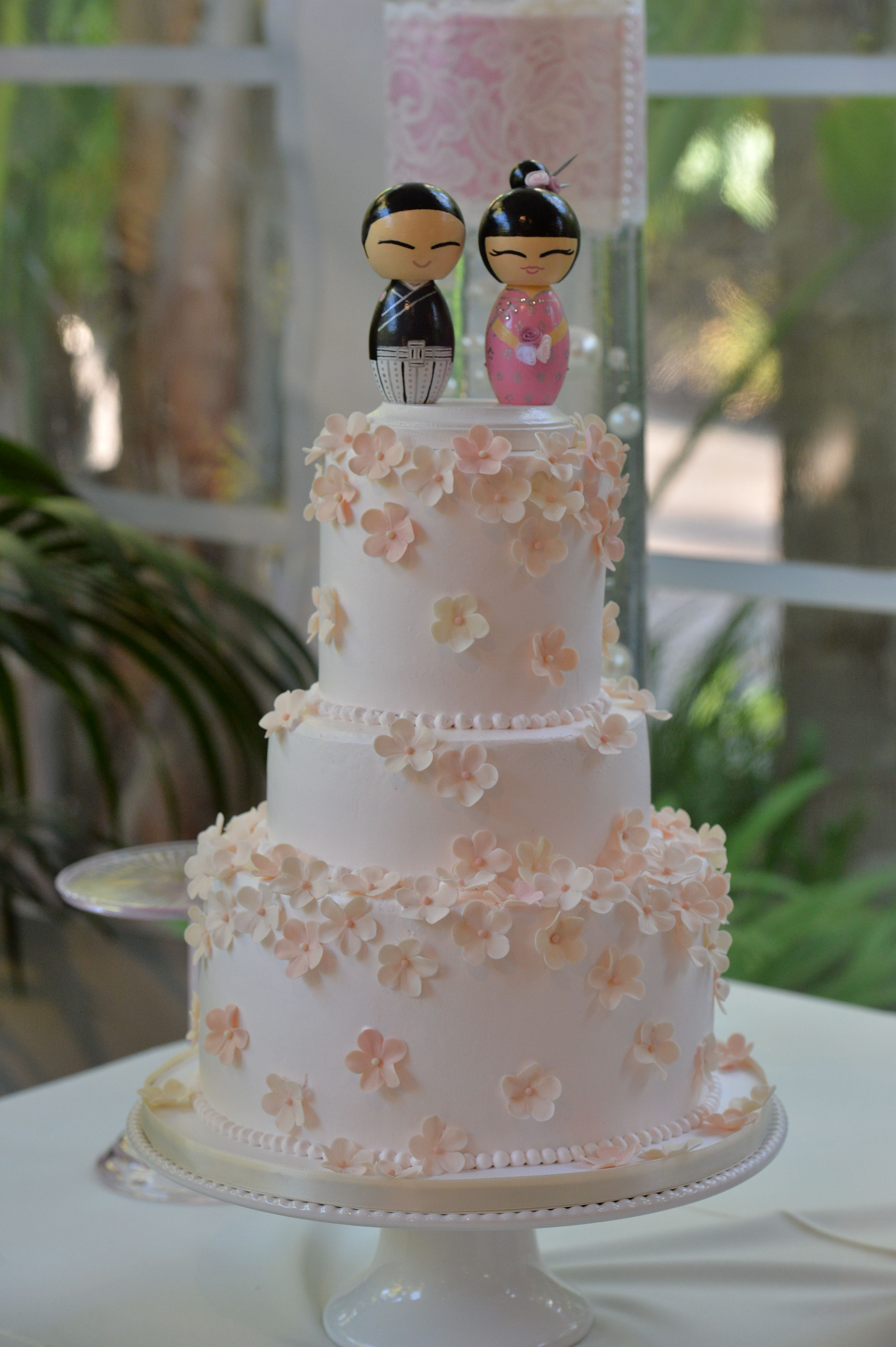 Our Wedding Cake Lemon Cake With Fresh Blueberry And Lemon Curd