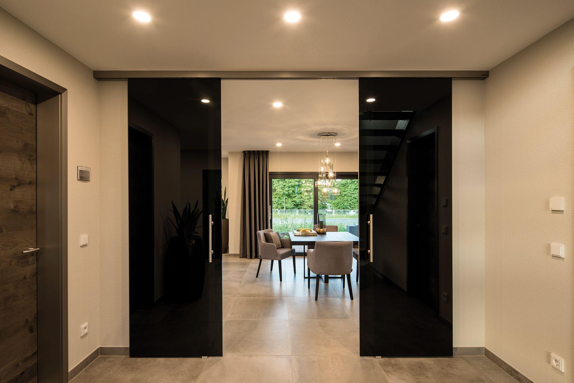 Badezimmer ideen erdtöne wohnideen  essbereich in hellen erd und beigetönen mit schwarzer