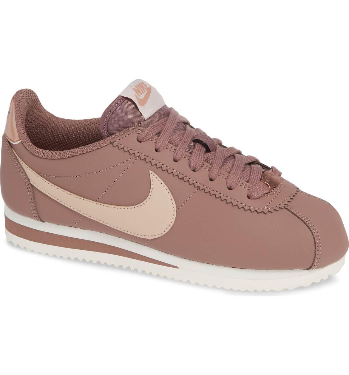 pañuelo de papel Alegre educador  Nike Classic Cortez Sneaker (Women) | Nordstrom | Pretty sneakers, Blush  sneakers, Nike shoes women