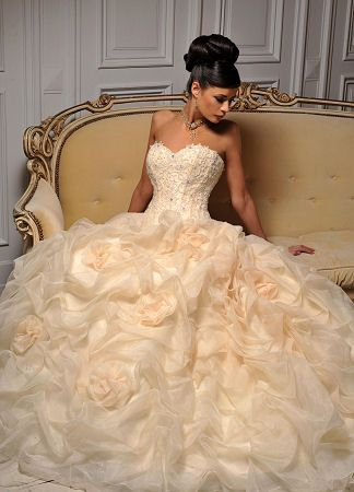 Hollywood Dreams Wedding Dress To See Our Collection Visit Www Lovethatfrock Designers