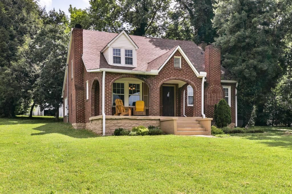 1560 Santa Fe Pike Columbia Tn 38401 Mls 1845887 Zillow Types Of Houses House Styles Cottage