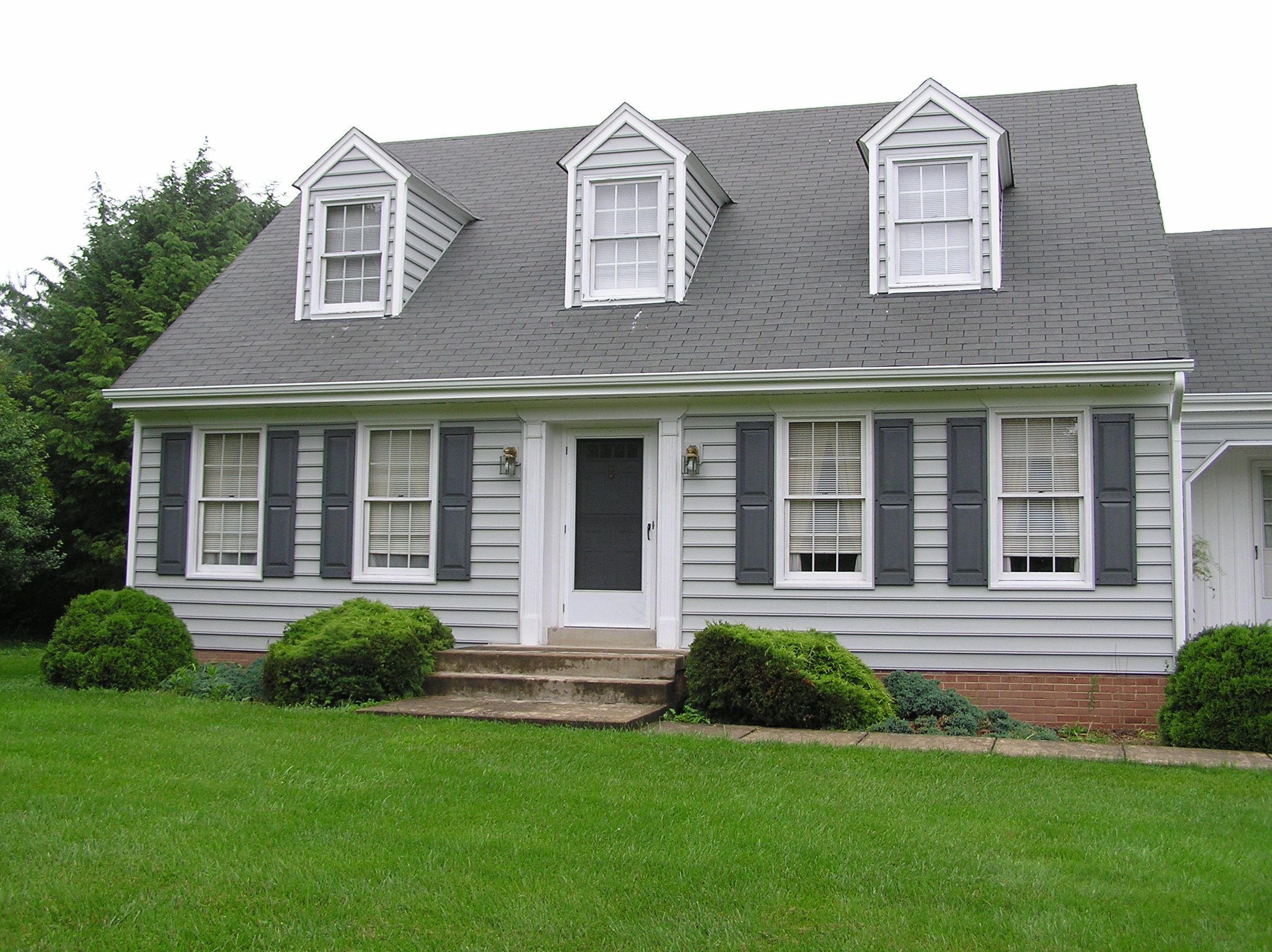 Vinyl siding colors vinyl siding can make a stunning for Change exterior of house