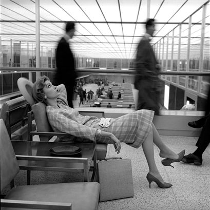 Mary McGloughlin at Idlewild Airport, New York, 1957. Photographer: Jerry Schatzberg.