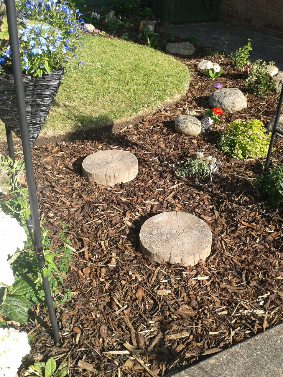 Log effect stepping stones   Garden Related Pics   Pinterest   Gardens