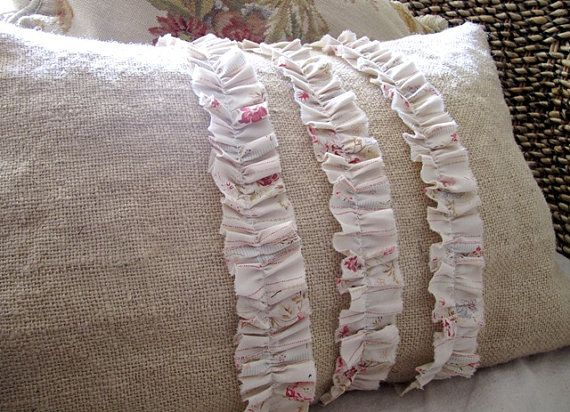 Burlap Projects · Shabby Chic Burlap Pillow  Diy