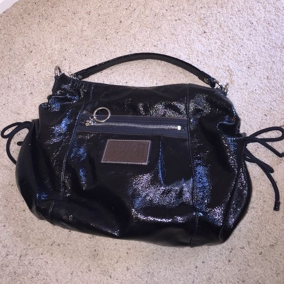 Coach Poppy Hobo Bag Coach Poppy Hobo bag. Textured patent leather with side tie accents. The teal interior is beautiful!! No odors stains or tears. Coach Bags Hobos