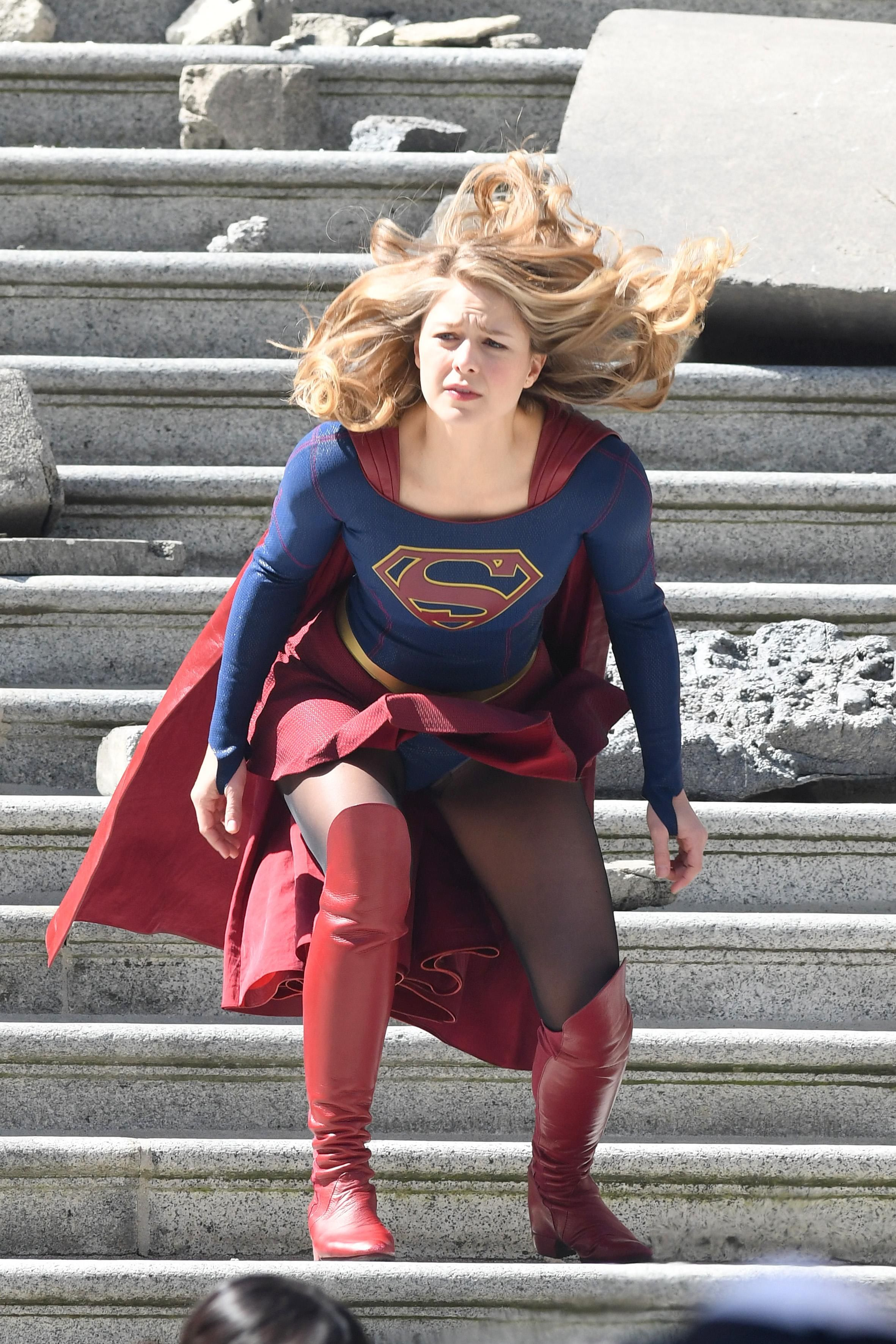 sexy supergirl nude pic