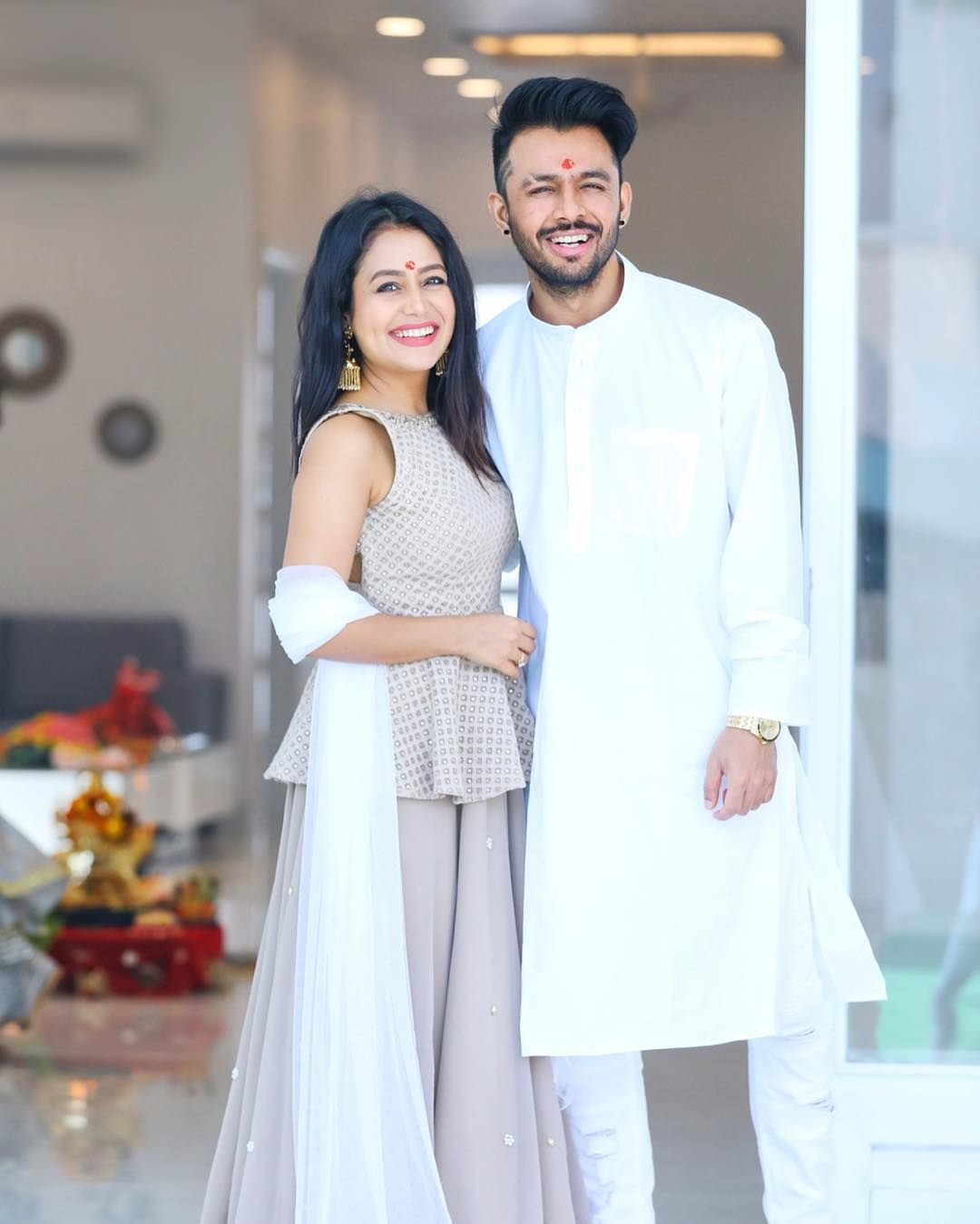 Singer Neha Kakkar With Her Brother Tony Kakkar Neha Kakkar Dresses Indian Wedding Outfits Neha Kakkar