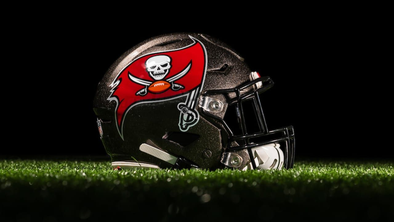 Daily Bucs Trivia Dynamic Ballcarriers National Football League News In 2020 Tampa Bay Buccaneers Buccaneers Football League