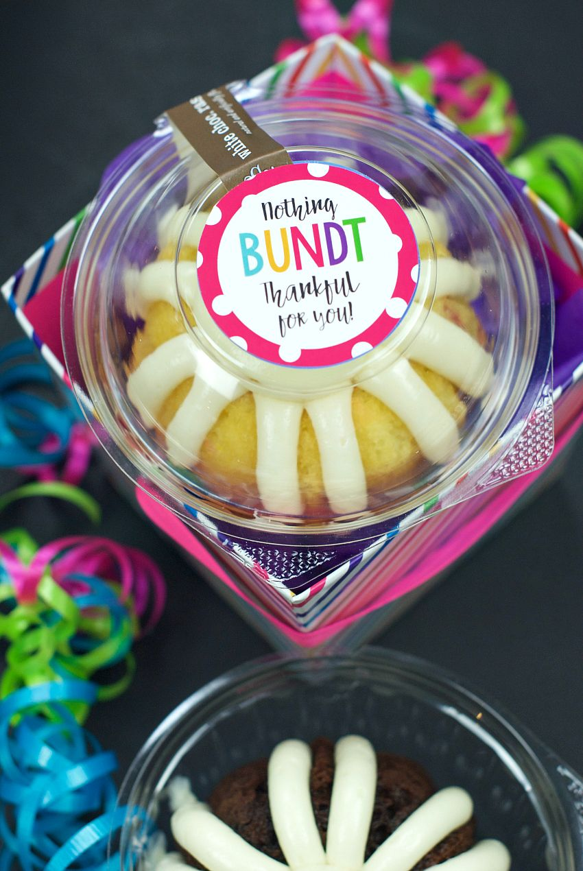 Nothing Bundt Thankful for You Gift Idea #bossesdaygiftideasoffices