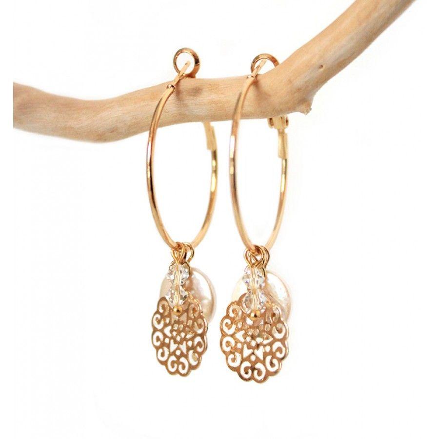 Gouden creolen met bedeltjes, filigraan en coin parels - www.Mbijoux.nl #creolen #oorbellen #earrings #goud #2015