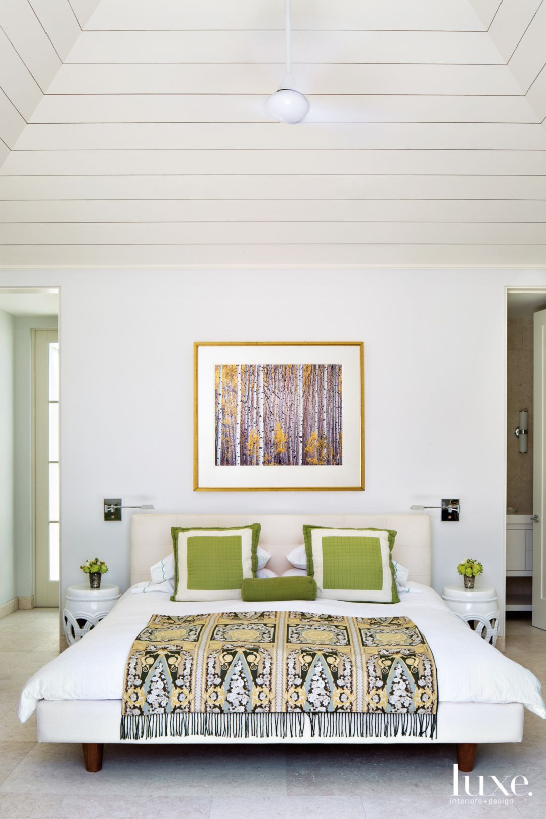 Seeing Greenery: 36 Homes That Use Pantone's Color of the ...