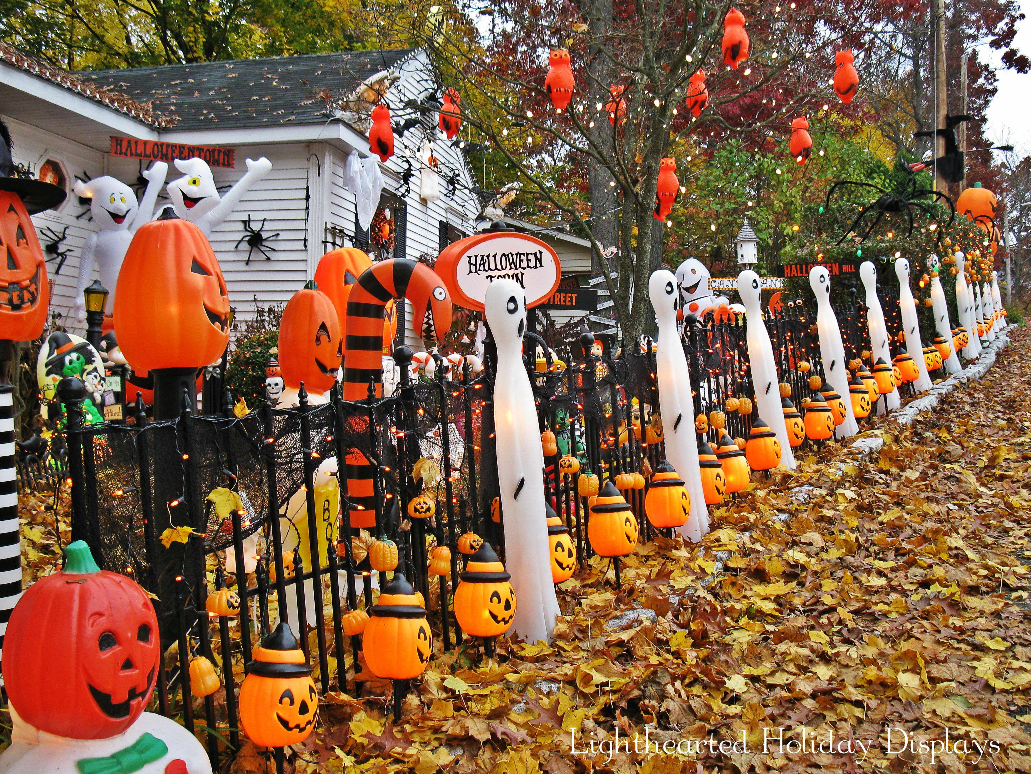 Halloween street scene. | Halloween inspiration, Halloween street, Halloween  america