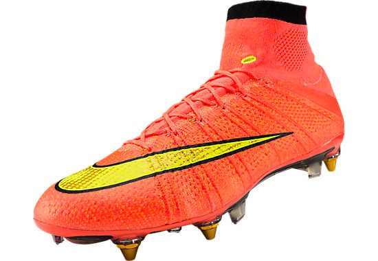 Flyknit Only Nike S Latest Technology Designed To Lock Down The Foot While Running At Top Velocity Nike S Floodlight Soccer Cleats Soccer Boots Soccer Shoes