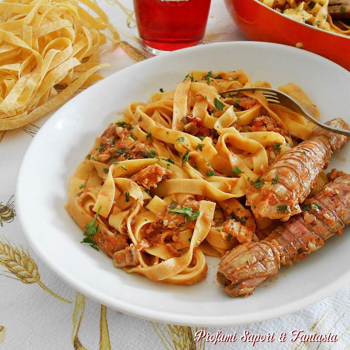 #Fettuccine with shrimp sauce - Fettuccine al sugo di canocchie ricetta gustosa