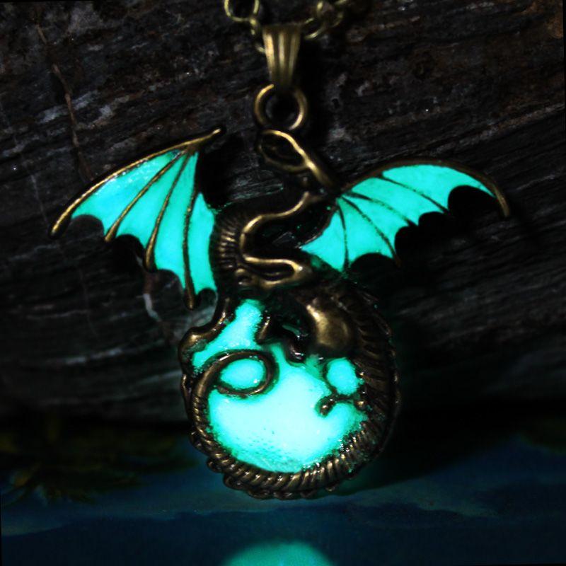 Game Of Thrones Daenerys Targaryen Drachen Abzeichen Gliederkette Halskette floureszierende Luminous Drachen Anhänger & Halsketten