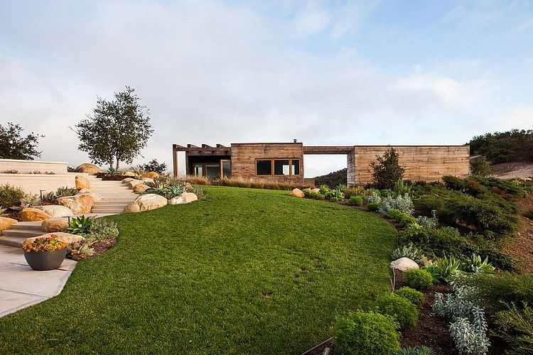 Toro Canyon Residence by Bestor Architecture