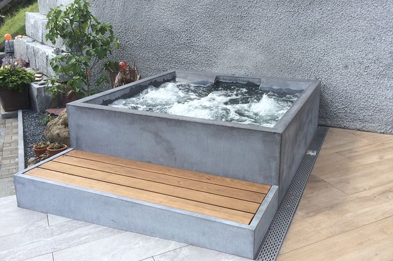 Beton Whirlpool X2f Concrete Jacuzzi X2f Hotstone Finished Pool The Quick Pool Solution Swimmi In 2020 Small Backyard Pools Jacuzzi Outdoor Hot Tub Garden