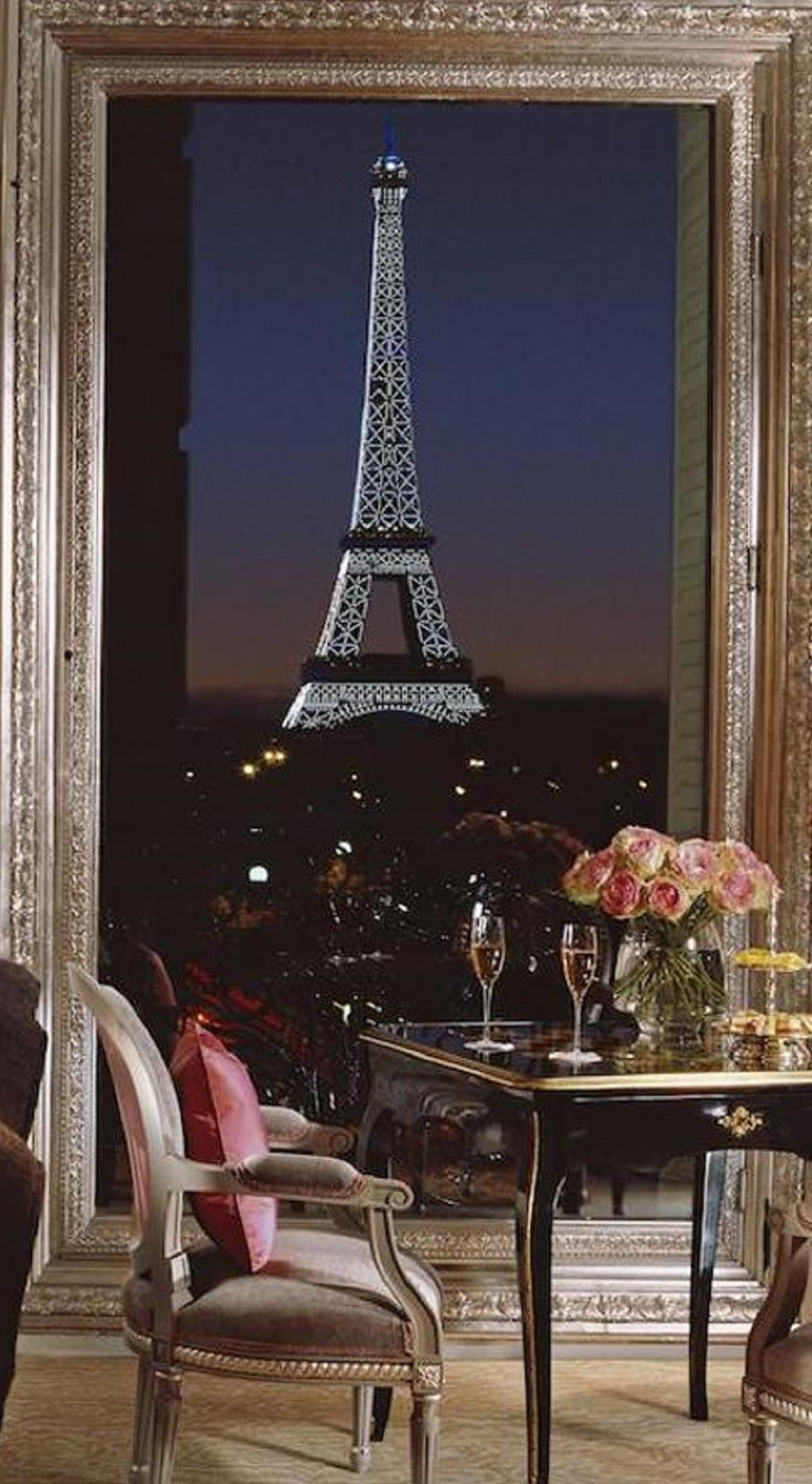 3 Paris Hotels With Eiffel Tower View