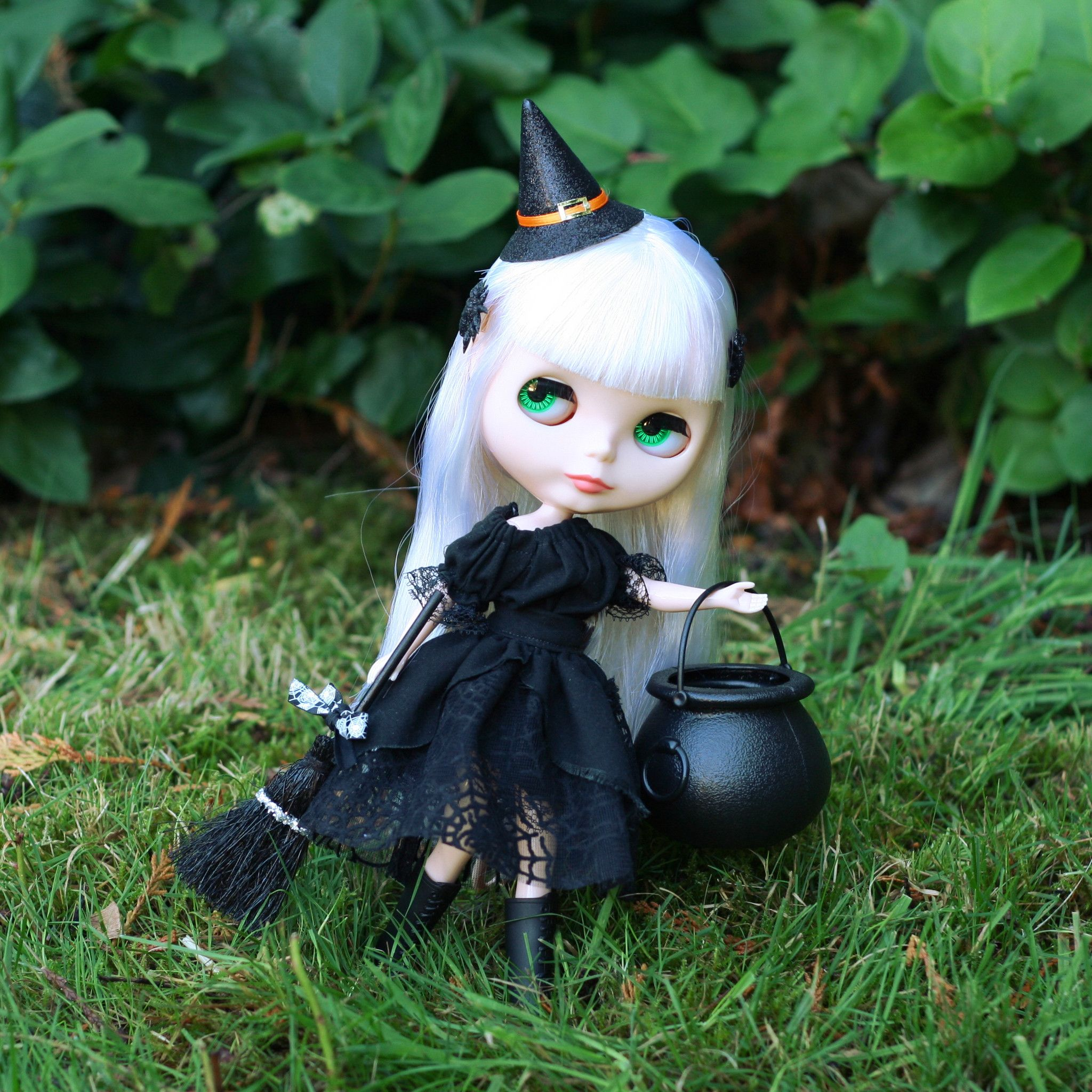 Blythe or Pullip doll witch dress Halloween costume | Blythe ...