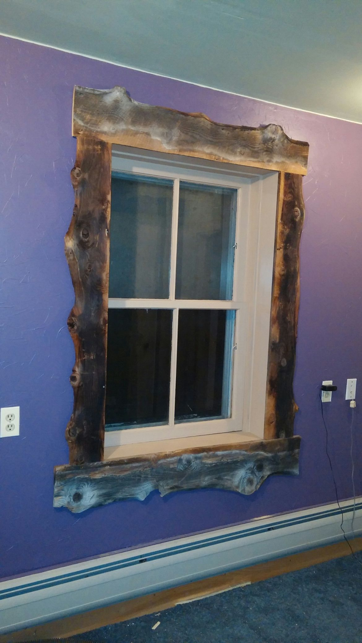 Molduras Para Ventanas Exteriores Trimmed Out The Window With Old Slab Barnwood Lookin Pretty