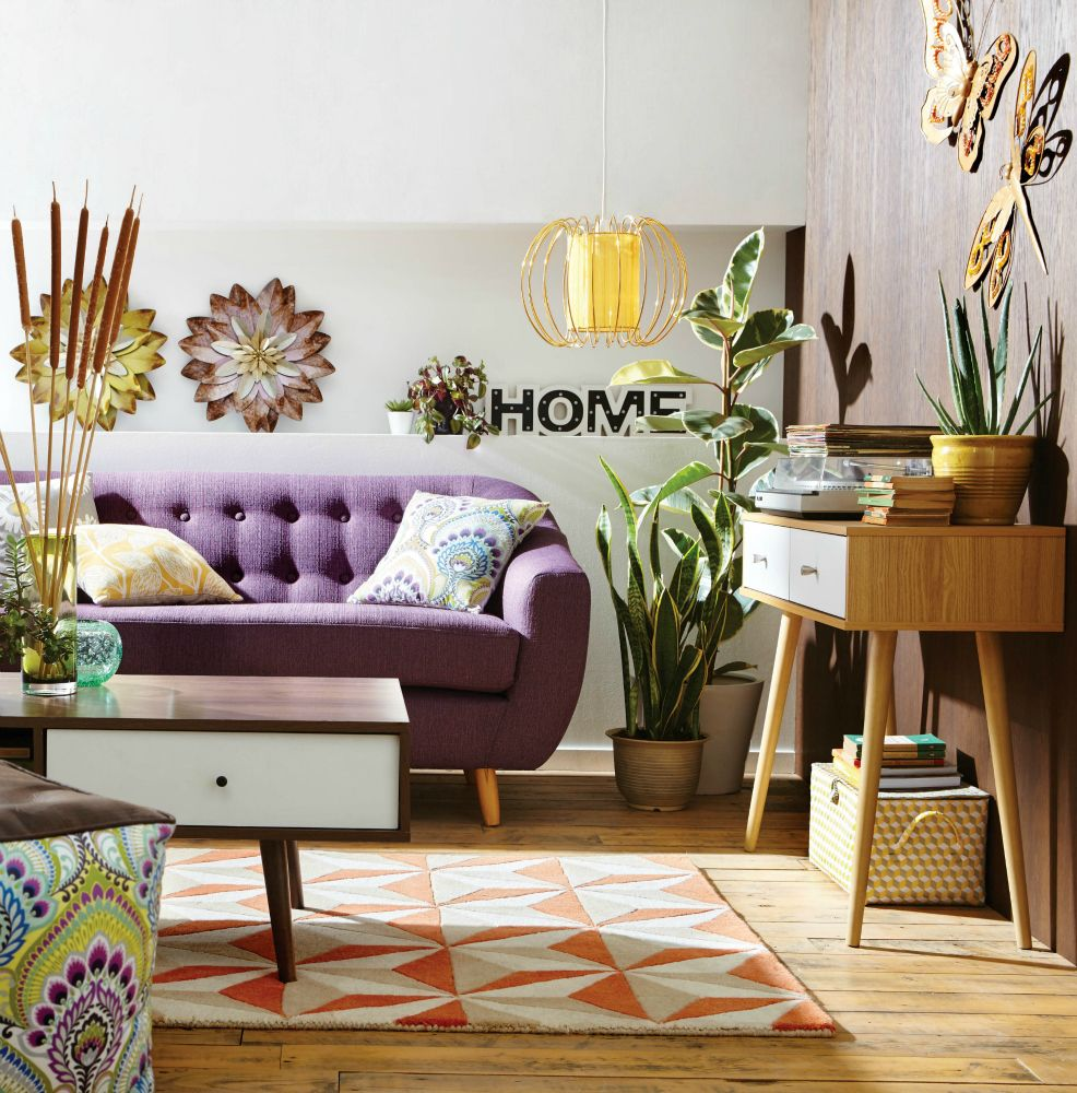 5 Easy Ways to Use a Colourful Sofa