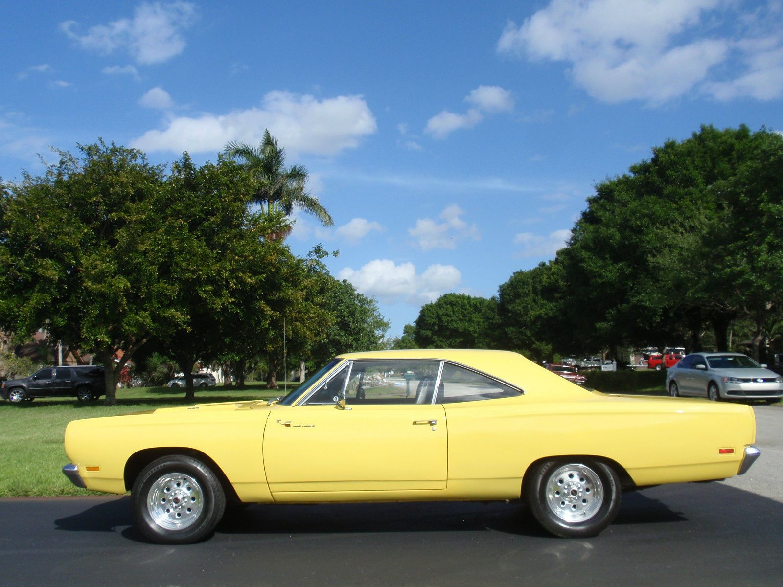 1969 Plymouth Road Runner 383 4Speed