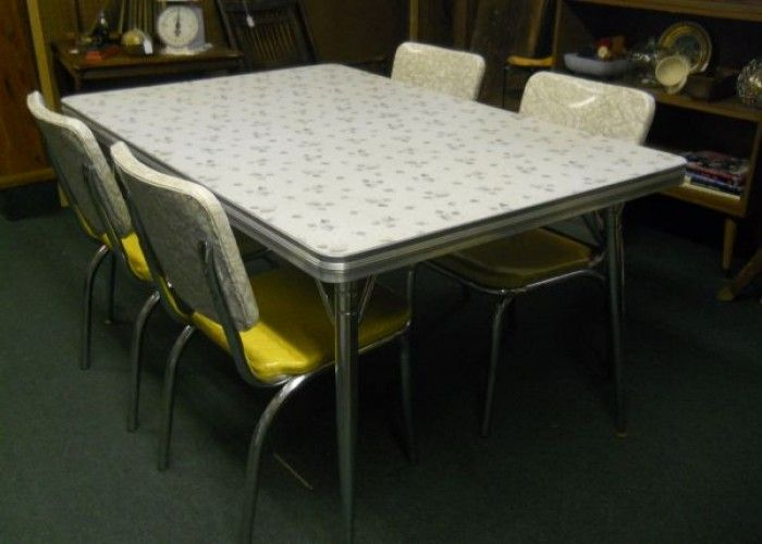 Vintage Retro 1950 S Formica Top Kitchentable 4 Chairs 295 3970 Tennessee Rd Ottawa Ks Retro Kitchen Tables Kitchen Chairs For Sale Leather Dining Room Chairs