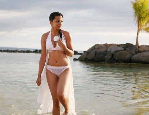 bikini Mugdha godse white