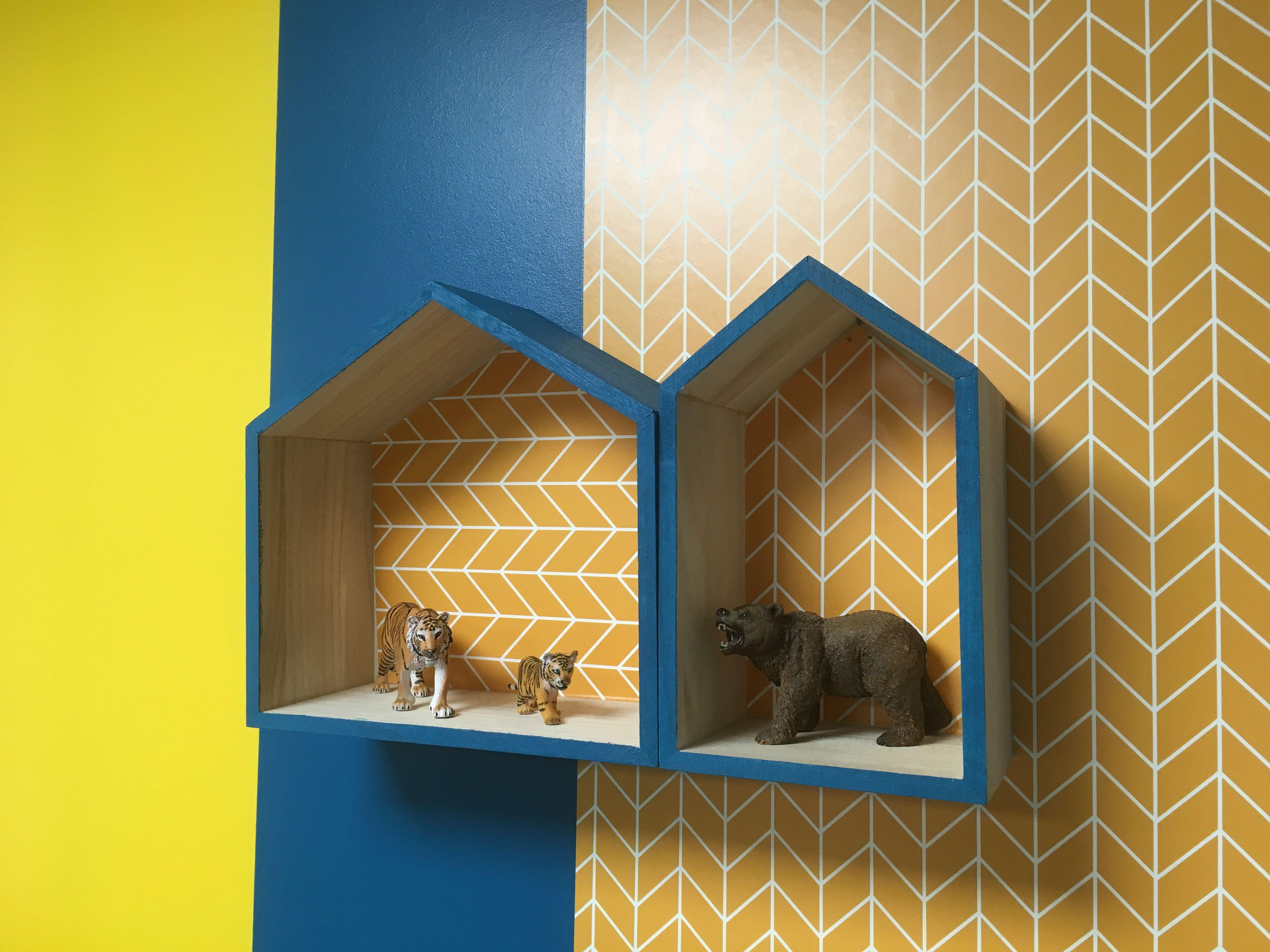 Chambres D Hotes Ecully Ou Gite Piscine Et Spa Proche De Lyon Deco Jaune Deco Salle De Jeux