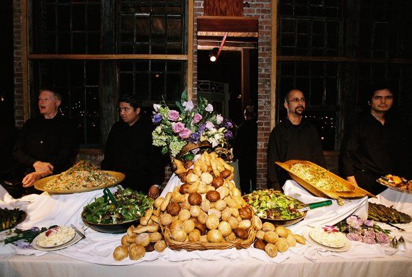 A Way To Serve Rolls On A Buffet