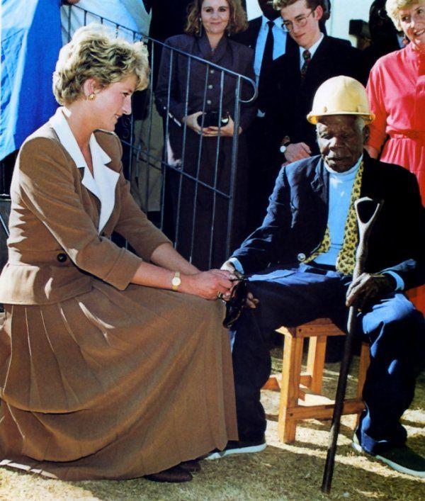 Princess Diana , Zimbabwe Tour ,le 11 Juillet 1993 _ Suite
